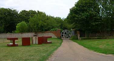 goodwood-sculpture